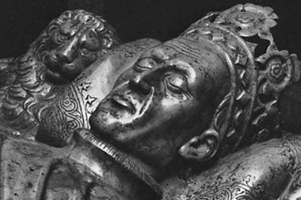 jagiello sarcophagus figure